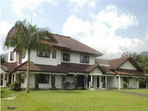 Villa Datuk Hakim Cilember Bogor