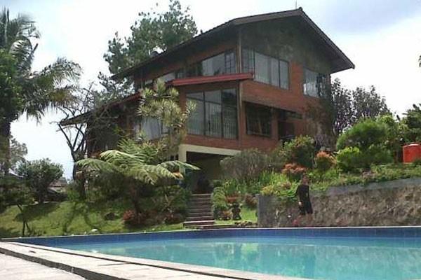 Villa Puncak Bogor Kolam Renang